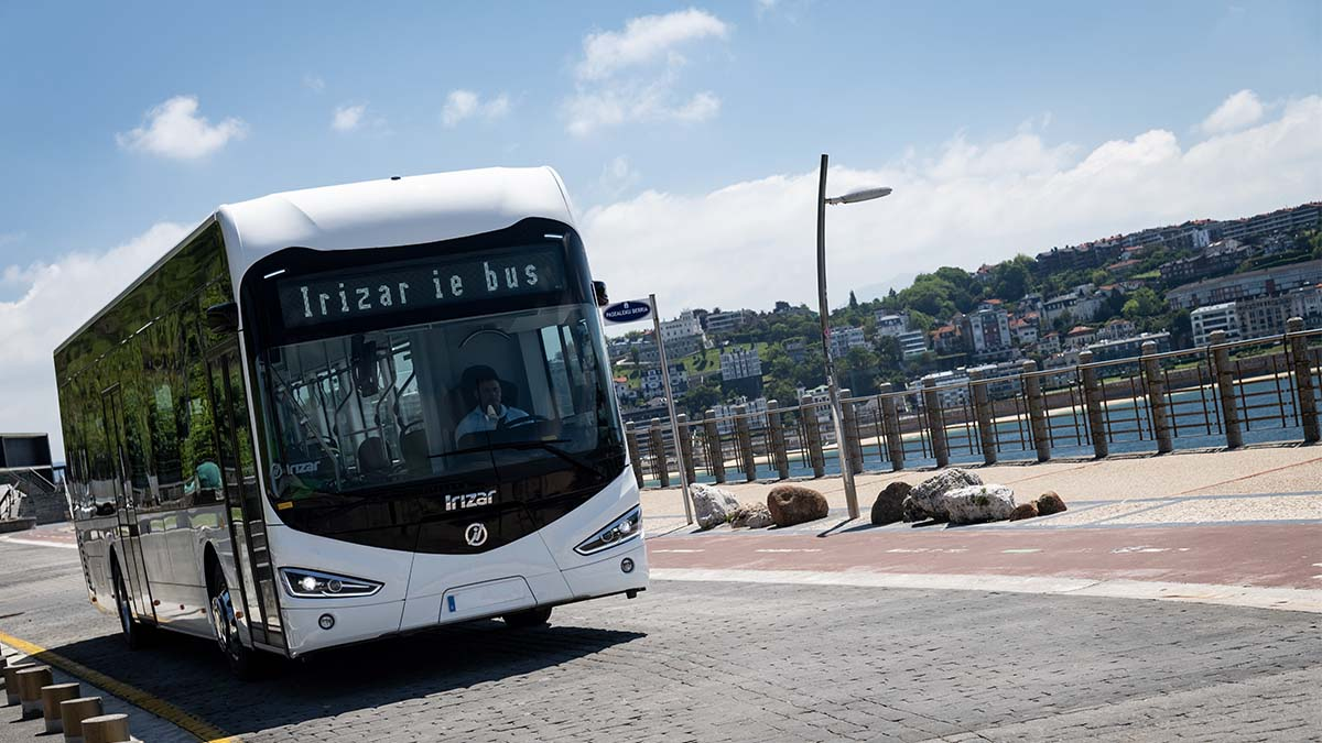 Irizar e-mobility will deliver eight electric buses to Hamburg