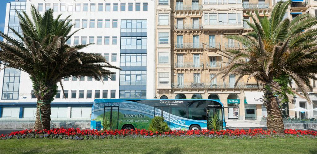 Irizar becomes the first European manufacturer in the sector to deliver two vehicles within the European ZeEUS project.