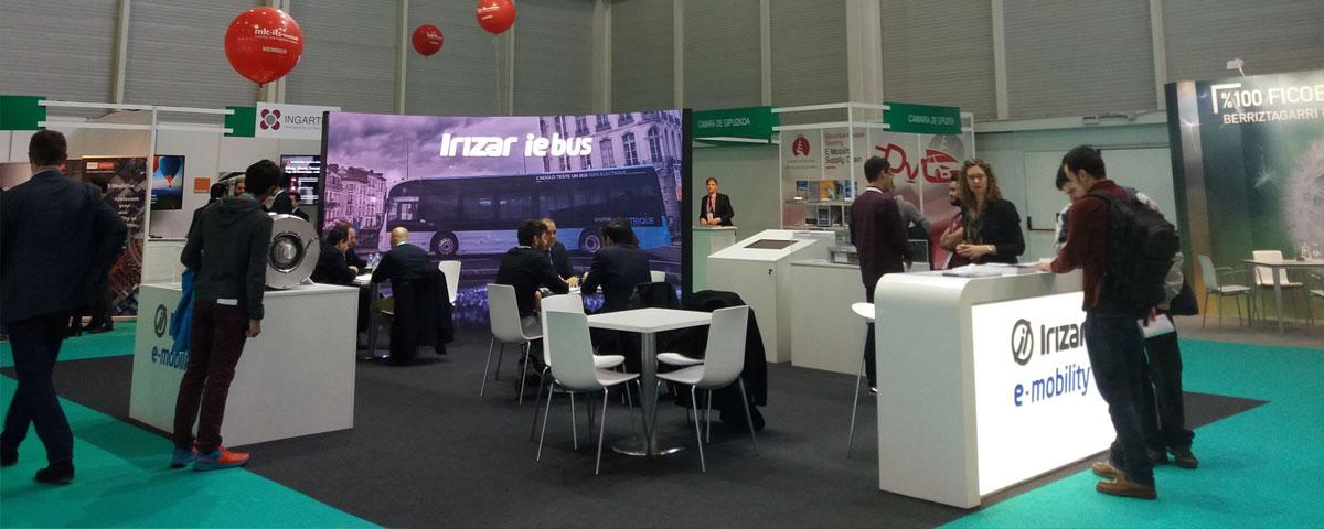 Irizar muestra su gran capacidad tecnológica, incorporando soluciones de electromovilidad propias desarrolladas y generadas en Euskadi por empresas del Grupo