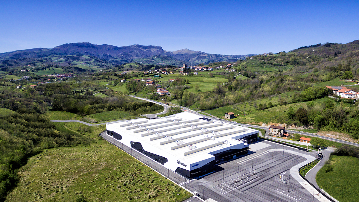 Irizar e-mobility obtains international certifications in occupational health and safety, the environment and quality management