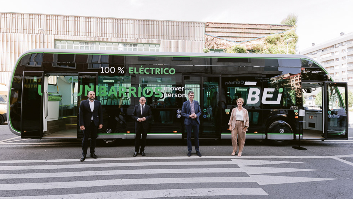 The 12 metre Irizar ie tram was presented today in Vitoria-Gasteiz